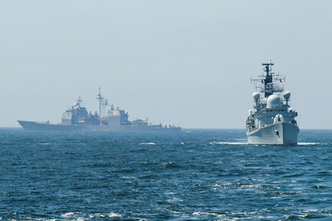 Più di 80.000 persone, circa 1.000 carri armati e veicoli blindati, oltre a 70 navi da guerra, sono stati coinvolti nelle esercitazioni militari nell'Estremo Oriente russo (Fonte: Mil.ru)