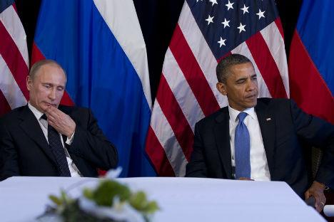 Vladimir Putin e Barack Obama all'incontro bilaterale durante il summit del G20 di Los Cabos, in Messico, il 18 giugno 2012 (Foto: AP)