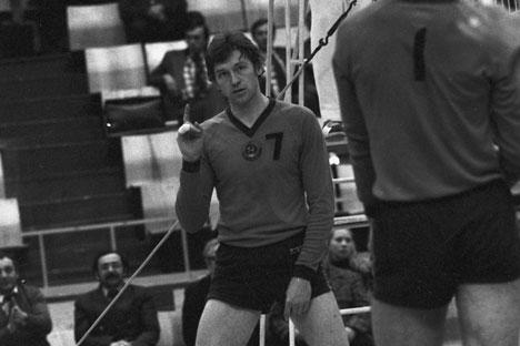 Oleg Moliboga in campo con la maglia della Nazionale sovietica (Foto: Ria Novosti)