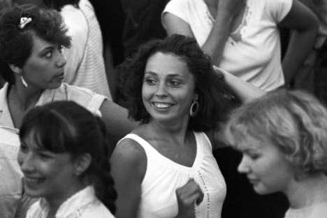 Ai tempi dell'Unione Sovietica le persone ballavano spesso nei centri ufficiali russi della cultura o nei cortili dei palazzi (Foto: Itar-Tass)