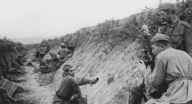 Le truppe sovietiche mostrano una maggiore forza nell'estate del 1943 (Foto: Photoshot)