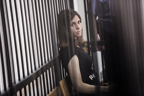 Una delle componenti del gruppo Pussy Riot, Nadezhda Tolokonnikova, condannata a due anni di reclusione, ha annunciato lo sciopero della fame contro le condizioni detentive (Foto: Andrei Stenin / Ria Novosti)