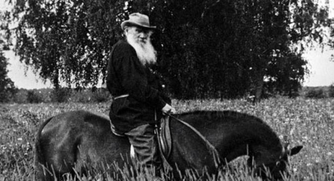 Lo scrittore Lev Tolstoj nella sua tenuta di Jasnaja Poljana (Foto: Ria Novosti)