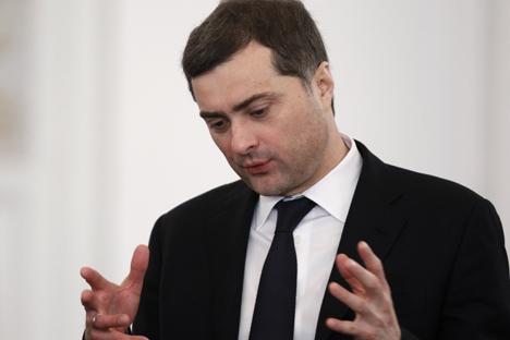 L'ex ideologo del Cremlino Vladislav Surkov ha riottenuto un incarico nell'amministrazione presidenziale dopo che nel maggio del 2013 si era dimesso da vice primo ministro (Foto: Reuters)