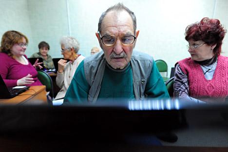 La percentuale di lavoratori pensionati è in crescita dal 1990, stando alle statistiche ufficiali (Foto: Itar-Tass)