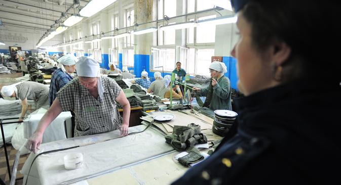 Detenute al lavoro in una colonia penale russa (Foto: Itar-Tass)
