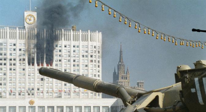 L'assalto alla Casa Bianca di Mosca nei primi giorni dell'ottobre del 1993 (Foto: Itar-Tass)