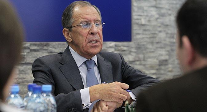 Il ministro russo degli Esteri Sergei Lavrov ospite nella redazione di Rossiyskaya Gazeta (Foto: RG)