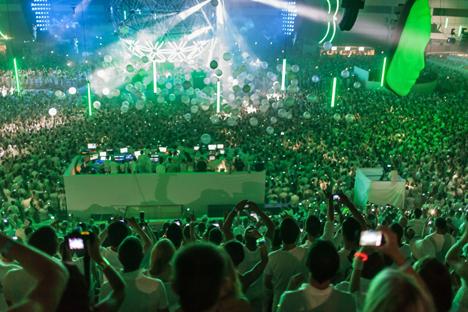 Festa in un locale notturno (Foto: www.sensation.com)