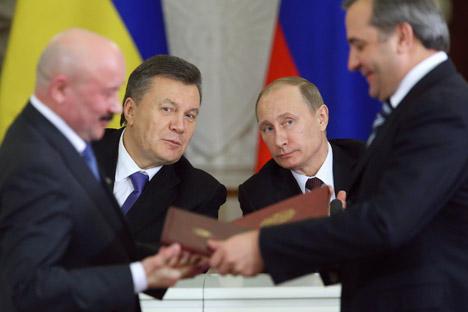 """Crescono le domande degli esperti sul """"prezzo"""" del salvataggio dell'Ucraina (Fonte: Reuters)"""