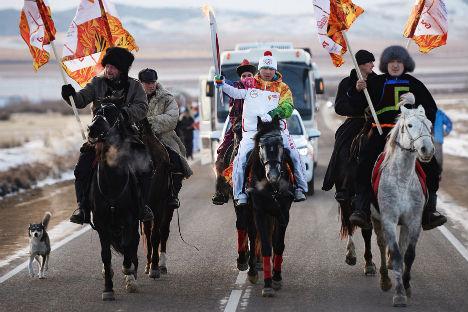 Nel suo viaggio verso Sochi, la fiamma olimpica ha percorso più di 65mila: un record assoluto per le Olimpiadi invernali (Foto:  Ramil Sitdikov/RIA Novosti)