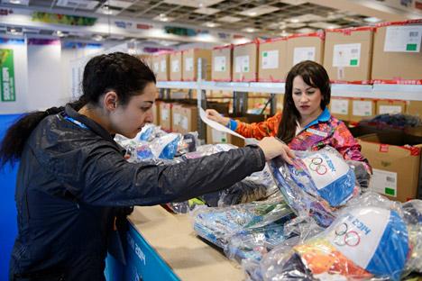 Volontari a Sochi (Foto: Mikhail Mokrushin / Ria Novosti)