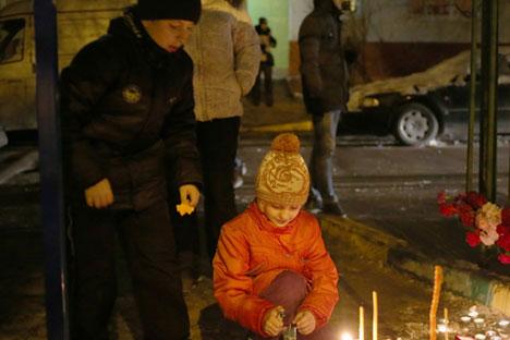 Il folle gesto è costato la vita a un insegnante e a un poliziotto (Foto: Itar Tass)