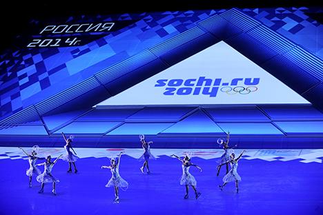 Un momento della cerimonia di inaugurazione allo stadio Fisht di Sochi (Foto: Mikhail Mordasov)