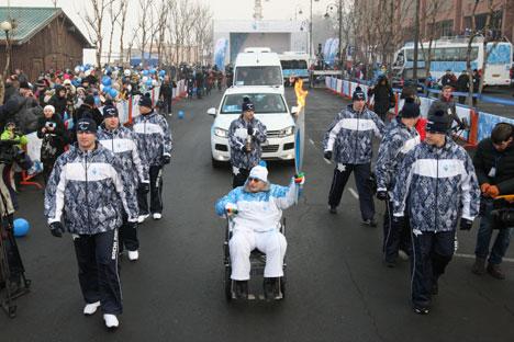 La fiamma delle Paralimpiadi in viaggio verso Sochi (Foto: Vitaly Ankov / Ria Novosti)