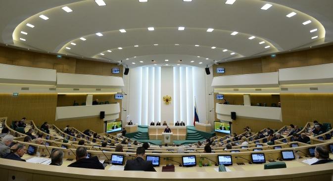 Durante la seduta di sabato, il Consiglio della Federazione ha detto sì all'impiego delle forze armate in Ucraina (Foto: Ria Novosti)