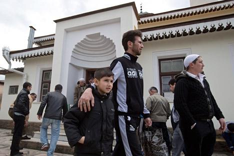 """Così come spiegato dal politologo Alexei Makarkin, """"si tratta dell'unica parte della popolazione della Crimea che ha reagito negativamente all'adesione della penisola alla Russia"""" (Foto: AP)"""