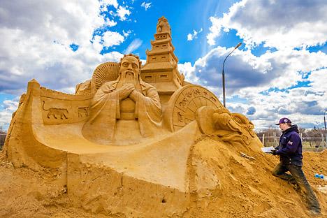 """Il campionato del mondo di sculture di sabbia, nel parco museo """"Kolomenskoye"""" di Mosca (Foto: ufficio stampa)"""