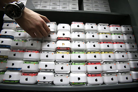 In Russia il modello di iPhone più economico costa circa 609, mentre il più costoso ammonta a 812 euro. Volendo fare un confronto, nei Paesi Bassi questi modelli costano rispettivamente 699 e 899 euro, in Francia 709 e 917 euro, mentre in Svezia costano 691 e 910 euro (Foto: Ufficio Stampa)