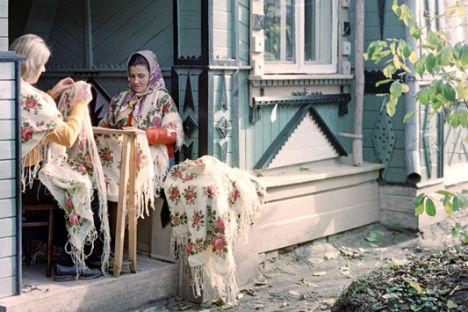 Nella seconda metà del XIX secolo, a Pavlovsky Posad iniziarono a fiorire imprese manifatturiere, specializzate nella realizzazione di scialli (Foto: Ria Novosti)