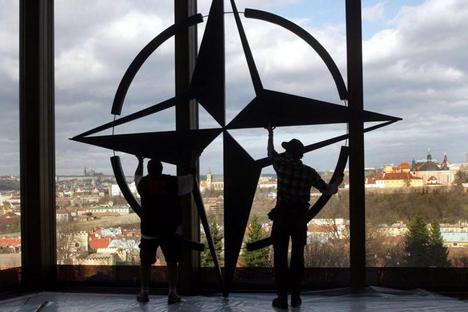 """All'inizio di aprile i ministri degli stati membri della Nato presenti a Bruxelles avevano approvato la decisione di """"aumentare il livello del potenziale di difesa militare degli alleati dell'Europa orientale nel contesto della crisi russo-ucraina"""" (Foto: Reuters)"""