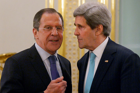 Il ministro russo degli Esteri Sergei Lavrov insieme al segretario di Stato americano John Kerry (Foto: flickr.com / Eduard Peskov, Ministero degli Esteri della Federazione Russa)
