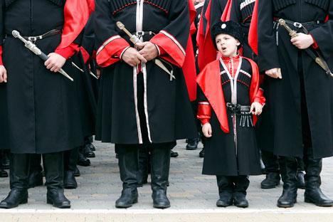 I cosacchi erano un'antica comunità militare che viveva ai confini della Russia. E il loro abbigliamento era composto perlopiù da pantaloni larghi e copricapi in pelliccia (Foto: Reuters)