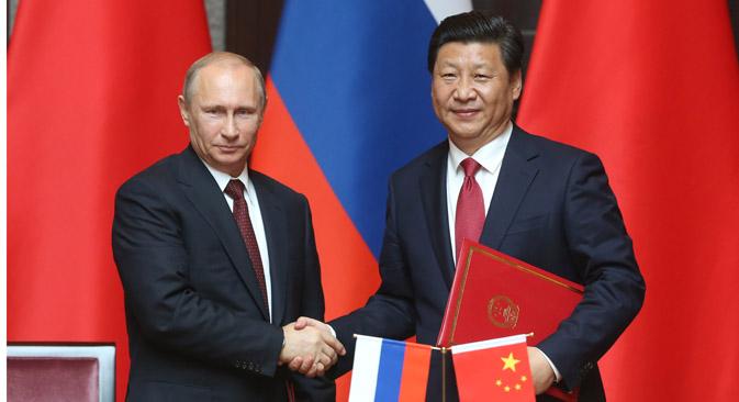 L'accordo riguarda Gazprom e il gigante energetico cinese CNPC. Alla firma del contratto hanno assistito anche il Presidente russo Vladimir Putin e l'omologo cinese Xi Jinping (Foto: Konstantin Zavrazhin / Rossiyskaya Gazeta)