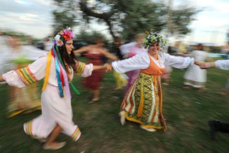 Grande festa per la notte di Ivana Kupala (Foto: Itar Tass)