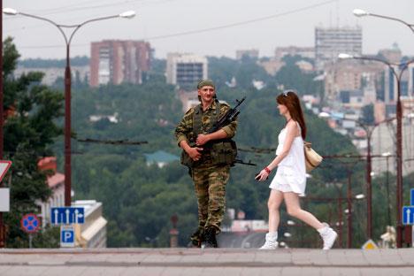 Uomini armati in Ucraina (Foto: Reuters)