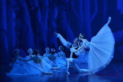 """Andris Liepa riporta sul palco alcuni spettacoli del repertorio di Sergei Diaghilev, tra cui """"Il gallo d'oro"""" e """"Petrushka"""" (Foto: ufficio stampa)"""