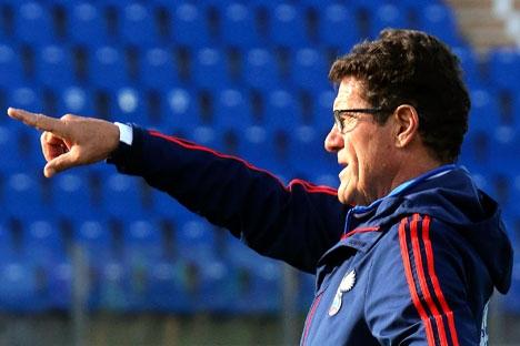 Técnico italiano Fabio Capello assumiu a equipe e garantiu uma vaga para a seleção nacional na Copa do Mundo de 2014, no Brasil Foto: Reuters