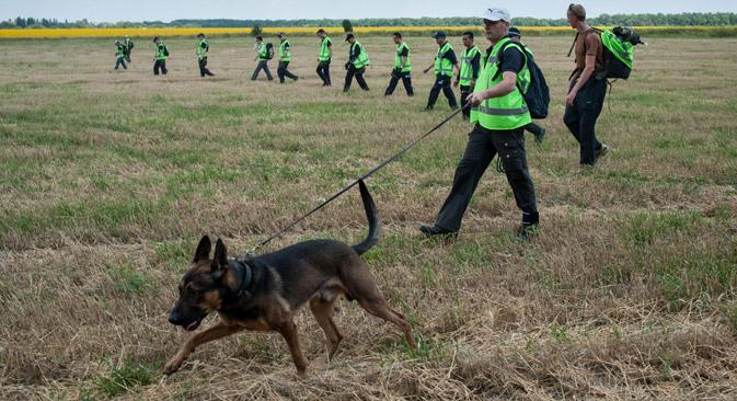 """Secondo il quotidiano """"Kommersant"""" l'inchiesta sul luogo dell'incidente dell'aereo della Malaysia Airlines è ancora ostacolata dalle azioni militari (Foto: AP)"""