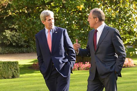 Il segretario di stato americano John Kerry, a sinistra, e il ministro degli Esteri della Federazione Russa Sergei Lavrov (Foto: ufficio stampa)