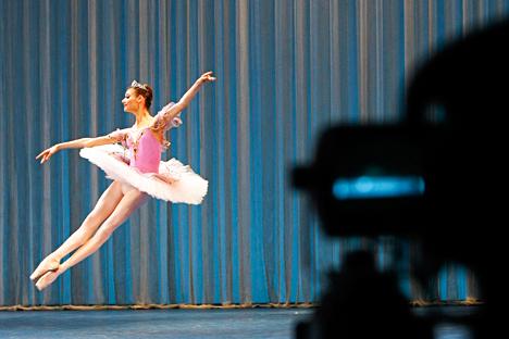 Gli spettacoli del Bolshoj vengono presentati in migliaia di cinema, dei quali solo 46 si trovano in Russia (Foto: Reuters)