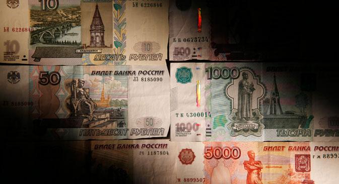 Un rublo svalutato avvantaggia gli esportatori russi, ma assesta un duro colpo a chi opera sul mercato interno (Foto: Reuters)