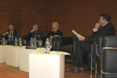 Il tavolo dei relatori. Da sinistra, Alexei Kanunnikov, Anton Moskalenkov, Anna Vasilenko e Vincenzo Trani (Foto: Evgeny Utkin)