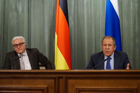 Il ministro degli Esteri tedesco Frank-Walter Steinmeier e il collega russo Sergei Lavrov (Foto: Eduard Pesov / Ministero degli Affari Esteri)