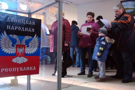 Gli abitanti delle repubbliche autoproclamate di Donetsk e Lugansk sono stati chiamati alle urne il 2 novembre 2014 (Foto: Tass)