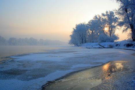 La Siberia conserva enormi e incontaminati territori di boschi, fiumi, laghi e zone montuose (Foto: Lori / Legion Media)