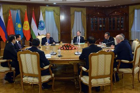 Il premier della Federazione Russa Dmitri Medvevdev ha partecipato alla riunione dei capi di governo dell'Organizzazione di Shanghai per la Cooperazione, i cui membri sono Russia, Cina e quattro paesi dell'Asia Centrale (Foto: Aleksandr Astafyev / Ria Novosti)