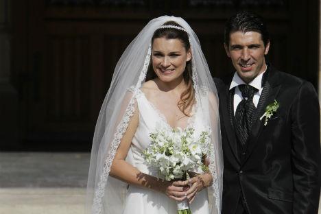 Il portiere italiano Gianluigi Buffon è sposato con la modella ceca di origini russe Alëna Seredova (Foto: Reuters)