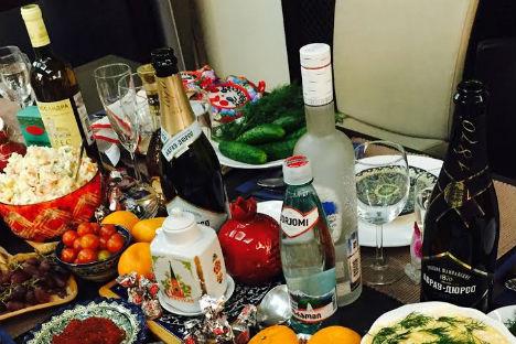 La vodka non manca mai in tavola nella notte di Capodanno (Foto: Anna Kharzeeva)
