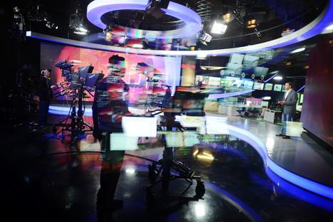 All'interno di uno studio televisivo (Foto: TASS / Dzhavajadze)