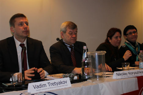 Il tavolo dei relatori (Foto: Evgeny Utkin)