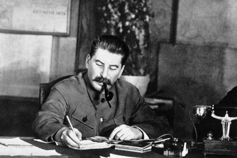Stalin al lavoro (Foto: Ria Novosti)
