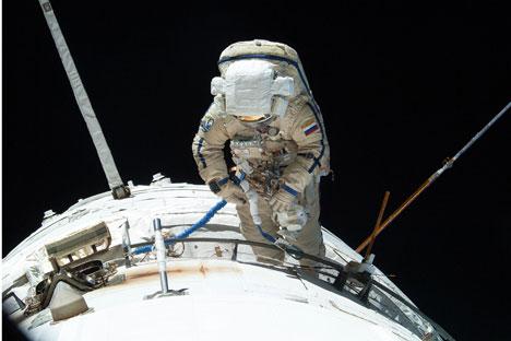 Astronauta al lavoro sulla ISS (Foto: NASA)