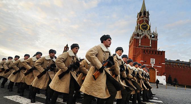 Soldati in marcia in Piazza Rossa (Foto: TASS / Stanislav Krasilnikov)