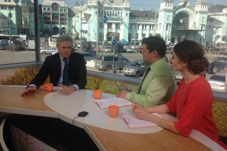 """L'ambasciatore Ragaglini racconta alla tv russa il nuovo sito internet dedicato al turismo """"La Tua Italia"""" (Foto: ufficio stampa)"""