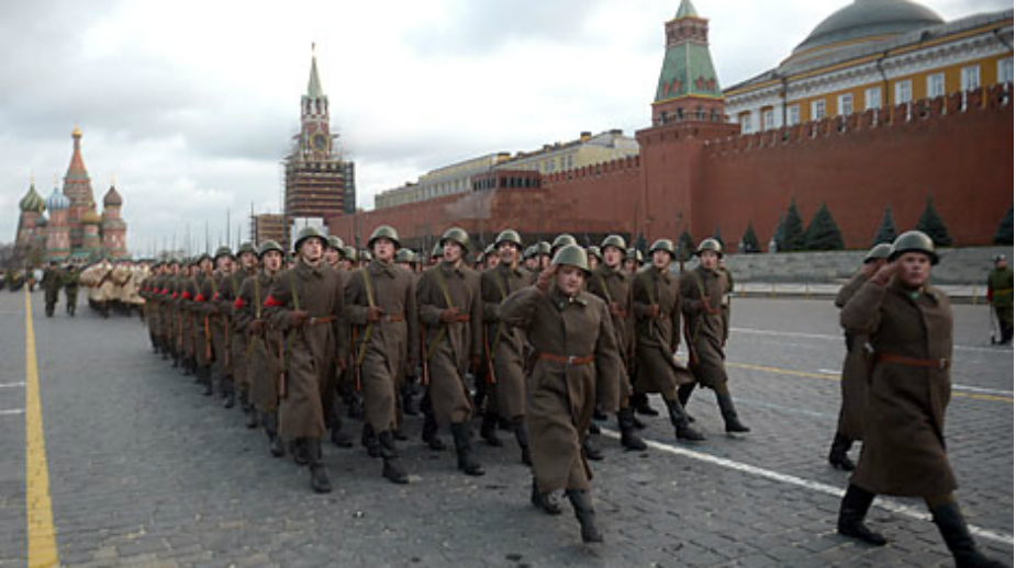 Parata in Piazza Rossa per la Festa del nove maggio (Foto: Grigory Sisoev / Ria Novosti)